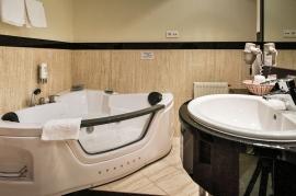 Łazienka pokoju dwuosobowego - Hotel Faltom