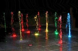 Tańczące fontanny w Ogrodzie Hotelowym, typu plac wodny dla dzieci - Hotel Faltom