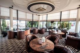 Lobby Bar - Hotel Faltom