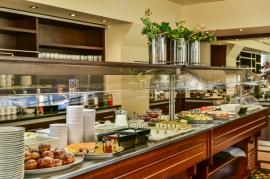 Restauracja Zielona - bufet śniadaniowy  - Hotel Faltom
