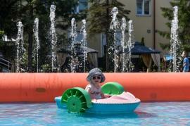 Ogród hotelowy - łódki dla dzieci  - Hotel Faltom