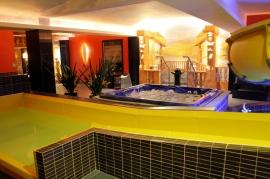 Zjeżdżalnie wodne - Hotel Faltom