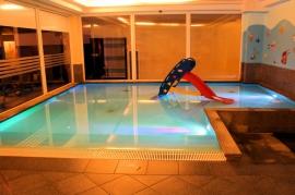 Wodna Strefa dla Dzieci z ciepłą wodą - Hotel Faltom