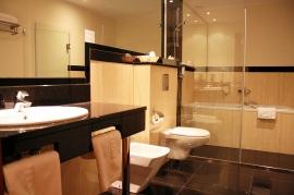 Łazienka pokoju 2-osobowego Lux - Hotel Faltom