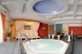 Świat Saun z jacuzzi wieloosobowym - Hotel Faltom